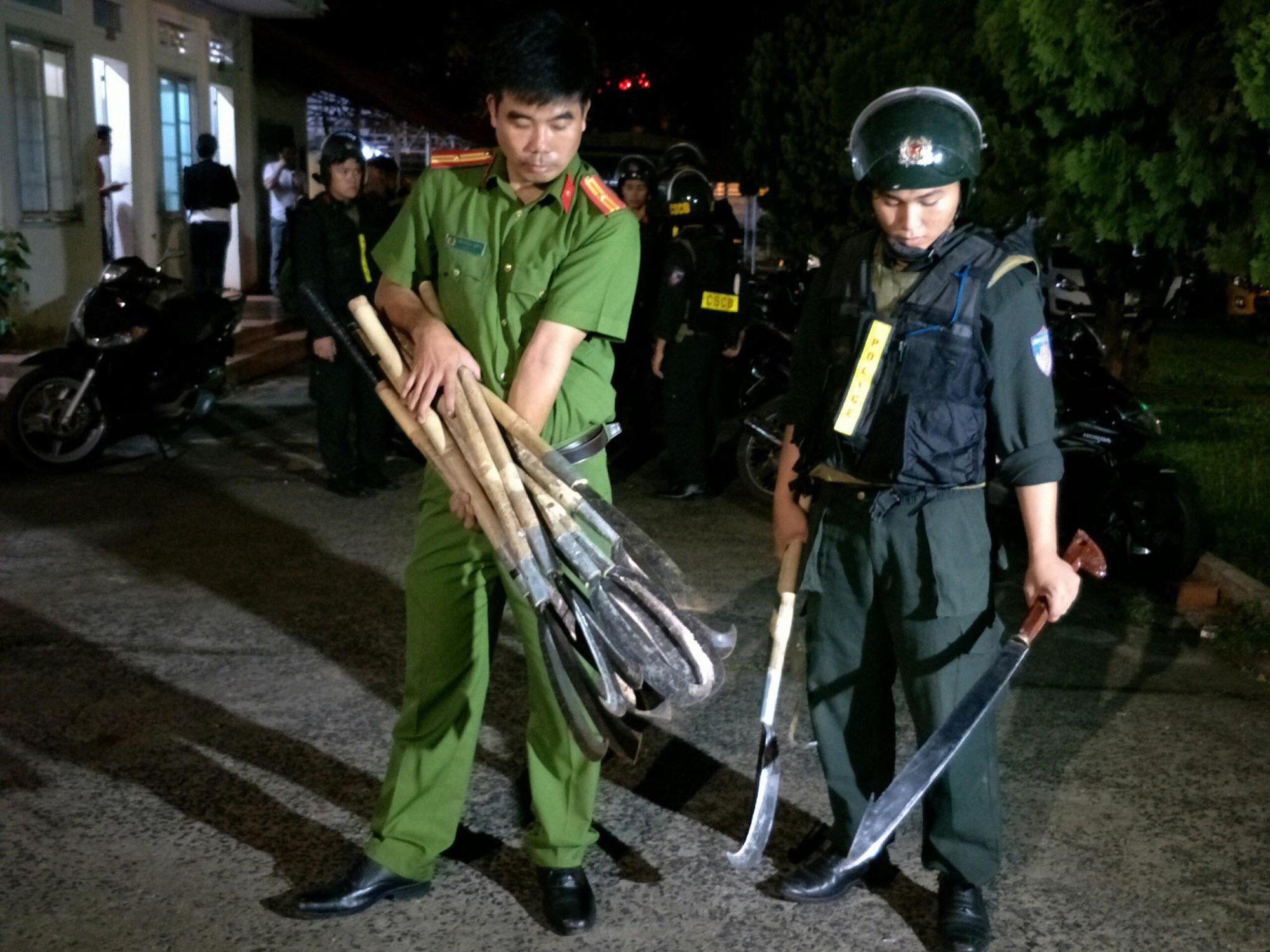 Đắk Lắk: Hàng trăm công an truy bắt 2 nhóm đưa hung khí, bom xăng đi hỗn chiến