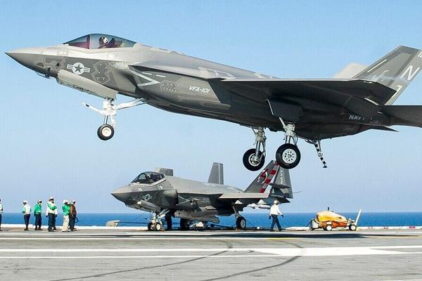 Khó khăn bủa vây máy bay chiến đấu thế hệ 6 của Hải quân Mỹ