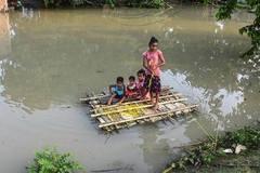 """Sau lũ lụt, người dân cần làm gì tránh """"dịch chồng dịch""""?"""