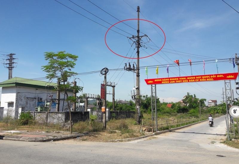 Hà Tĩnh: Nhân viên điện lực bị điện phóng gây bỏng nặng