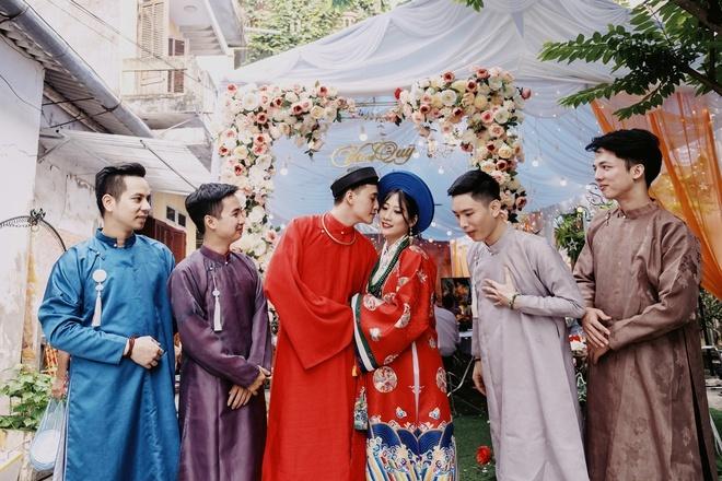 Cô dâu chú rể diện cổ phục triều Nguyễn trong ngày cưới