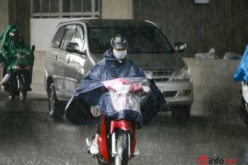 Bắc Bộ mưa rào dài ngày, Trung Bộ vẫn nắng nóng gay gắt