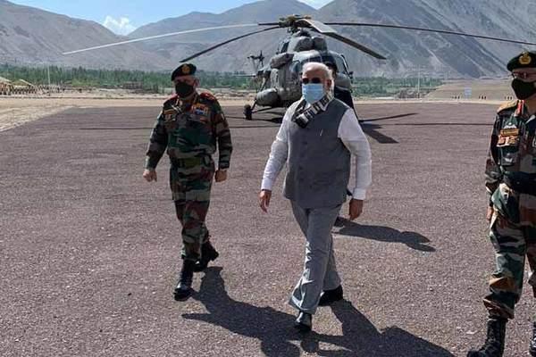 Thủ tướng Ấn Độ bất ngờ tới khu vực giáp biên giới Trung Quốc