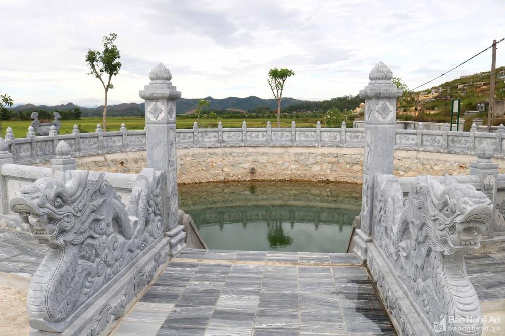 Cận cảnh 'đệ nhất giếng làng' tôn tạo tiền tỷ ở Nghệ An