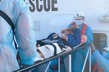 Cứu một ngư dân Quảng Ngãi gặp nạn trên vùng biển Khánh Hòa