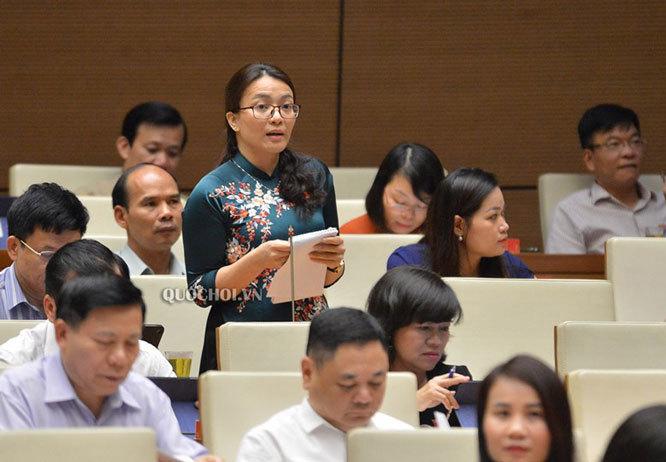 Quốc hội thảo luận tại hội trường về Chương trình mục tiêu quốc gia