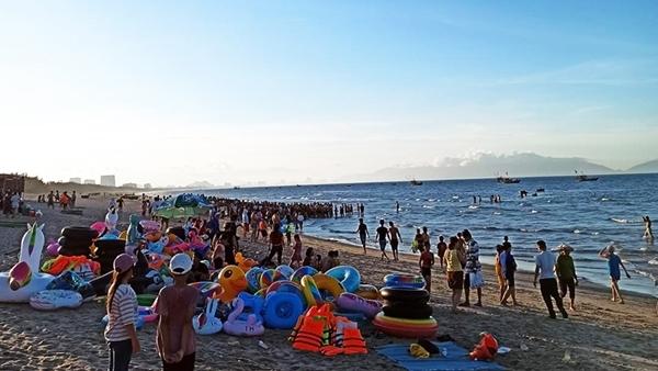 Quảng Nam: 3 thanh niên đi tắm biển đuối nước