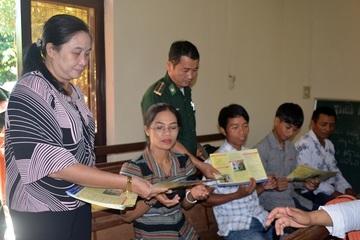 BĐBP Thừa Thiên Huế tuyên truyền phòng, chống tội phạm mua bán người ở huyện A Lưới