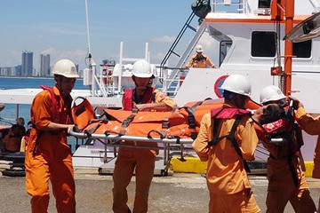 Đà Nẵng: Cứu kịp thời ngư dân lâm bệnh nguy kịch khi đang hành nghề trên biển