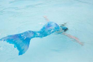 Người cha suýt mất con cảnh báo về sự nguy hiểm của đồ bơi 'nàng tiên cá'