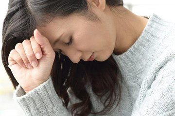 Tự bốc thuốc về uống, người phụ nữ hôn mê vì hạ natri máu