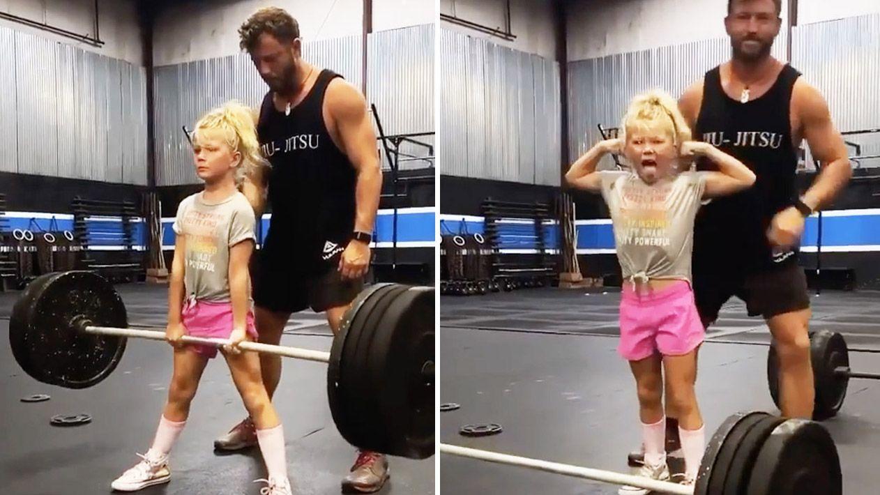 Choáng với 'cô nàng cử tạ' ngoài đời thực, 7 tuổi nâng tạ 43 kg