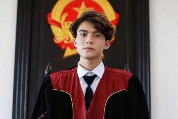Nam sinh điển trai theo đuổi ước mơ trở thành thẩm phán