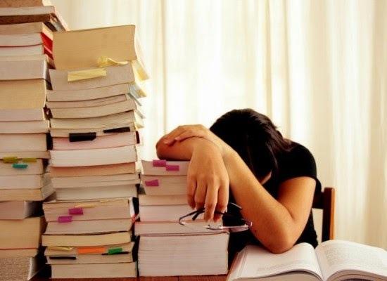 Tiếng khóc xé đêm của một học sinh sắp thi vào lớp 10