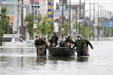 Gần 1,3 triệu người dân Nhật nhận lệnh sơ tán vì lũ lụt, số người chết vẫn tăng