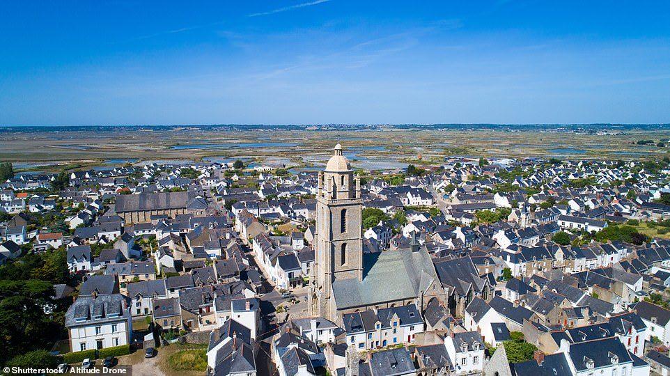14 ngôi làng đẹp như thiên đường dưới hạ giới ở Pháp