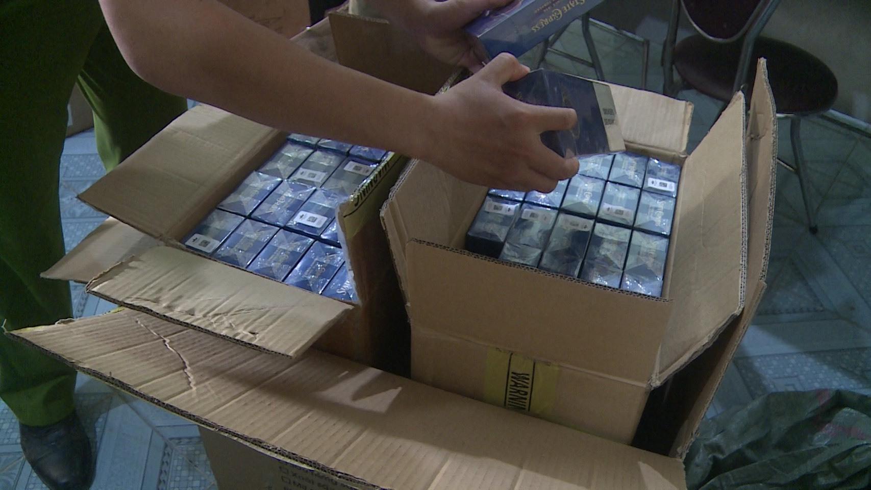 Phú Yên tạm giữ 1.000 bao thuốc lá nhập lậu