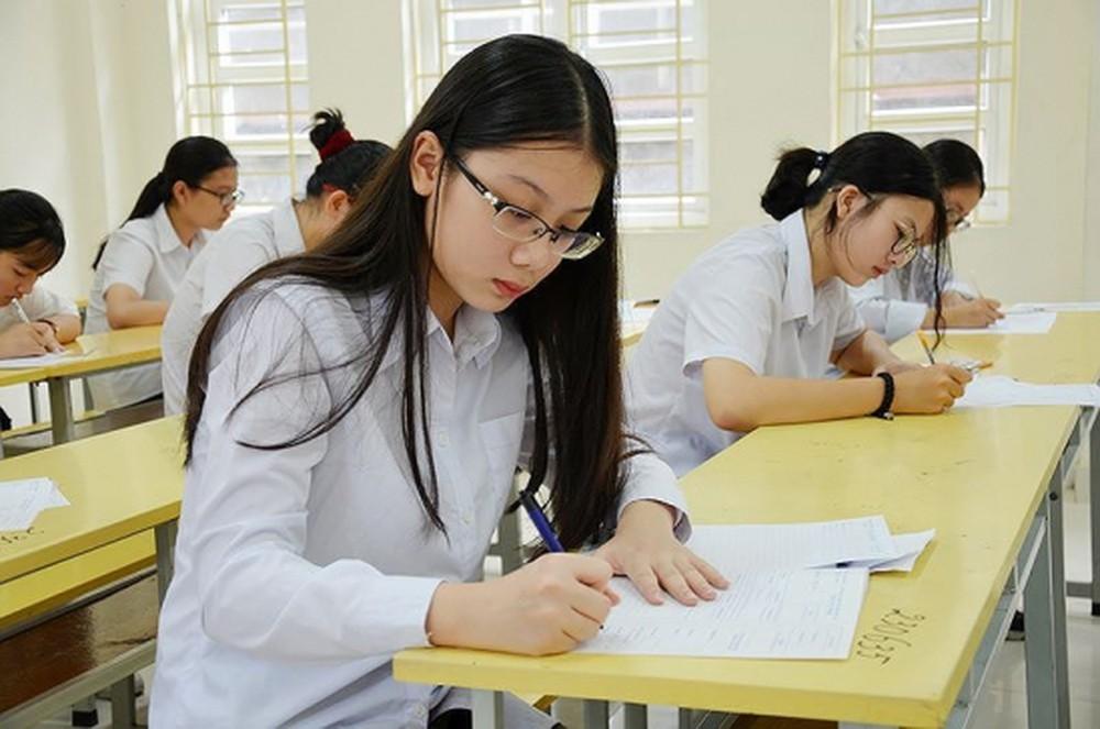 Giải đề thi vào lớp 10 môn Toán học sinh lưu ý dạng toán thực tế