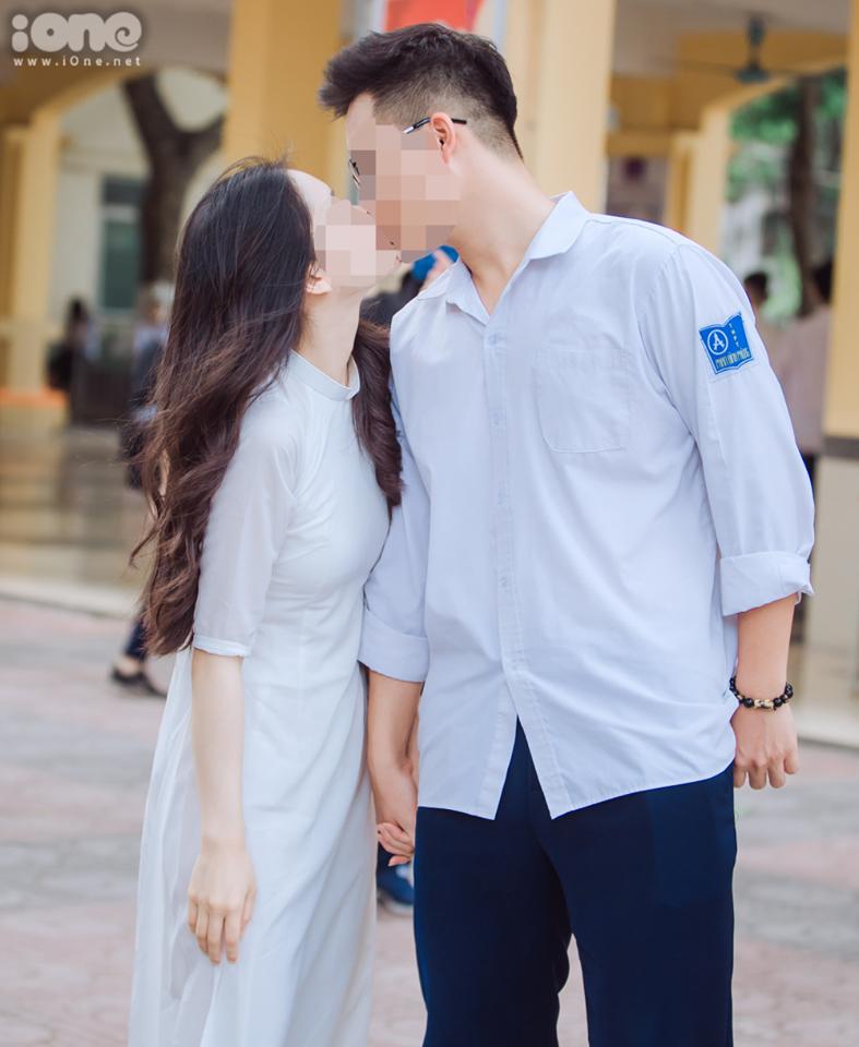 """Học sinh hôn nhau trên sân trường: """"Tình yêu học trò thôi, có gì to tát"""""""