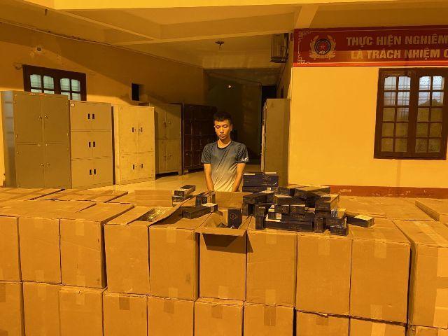 Thanh Hóa: Dùng xe thư báo vận chuyển 40.000 bao thuốc lá lậu