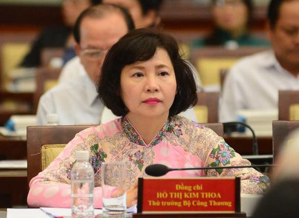 Gia đình cựu Thứ trưởng Công thương Hồ Thị Kim Thoa 'phủ bóng' tại Điện Quang ra sao?