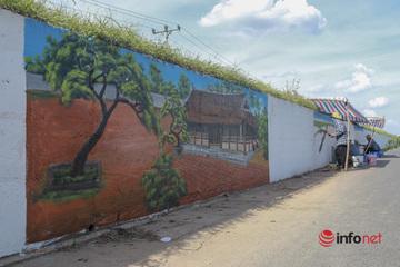 """Ấn tượng """"con đường bích họa"""" dài hơn 2km ở ngoại thành Hà Nội"""