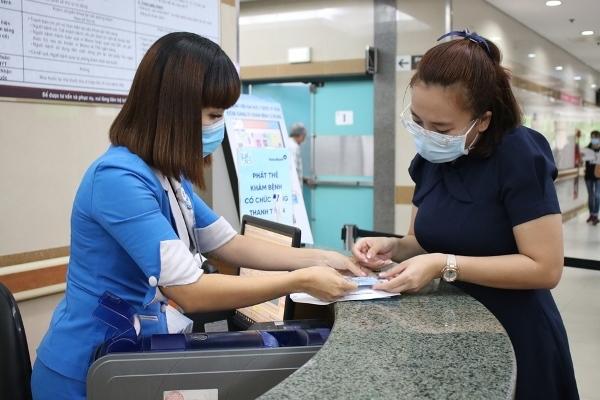 Bệnh viện đi đầu thực hiện hanh toán không dùng tiền mặt