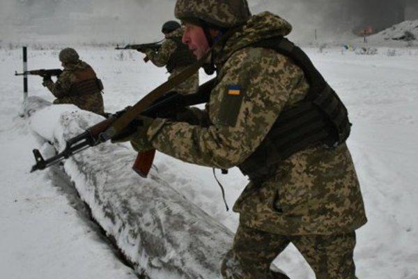 Mỹ và NATO xúi giục Ukraine 'đùa' với gấu Nga?