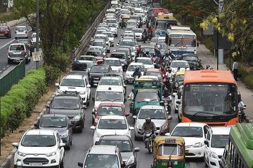 Màn đánh ghen gây tắc đường ở Ấn Độ