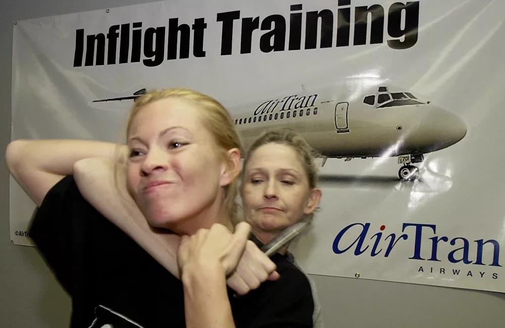 Mục sở thị quy trình đào tạo không thể thiếu cho tiếp viên hàng không