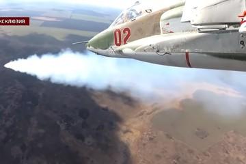 Phiên bản mới nhất của 'xe tăng bay' Su-25 Nga diễn tập chiến đấu