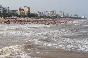 4 người bị sóng cuốn ở biển Sầm Sơn lúc sáng sớm, 2 nạn nhân tử vong