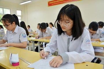 Sáng nay gần 89.000 học sinh Hà Nội làm thủ tục dự thi vào lớp 10