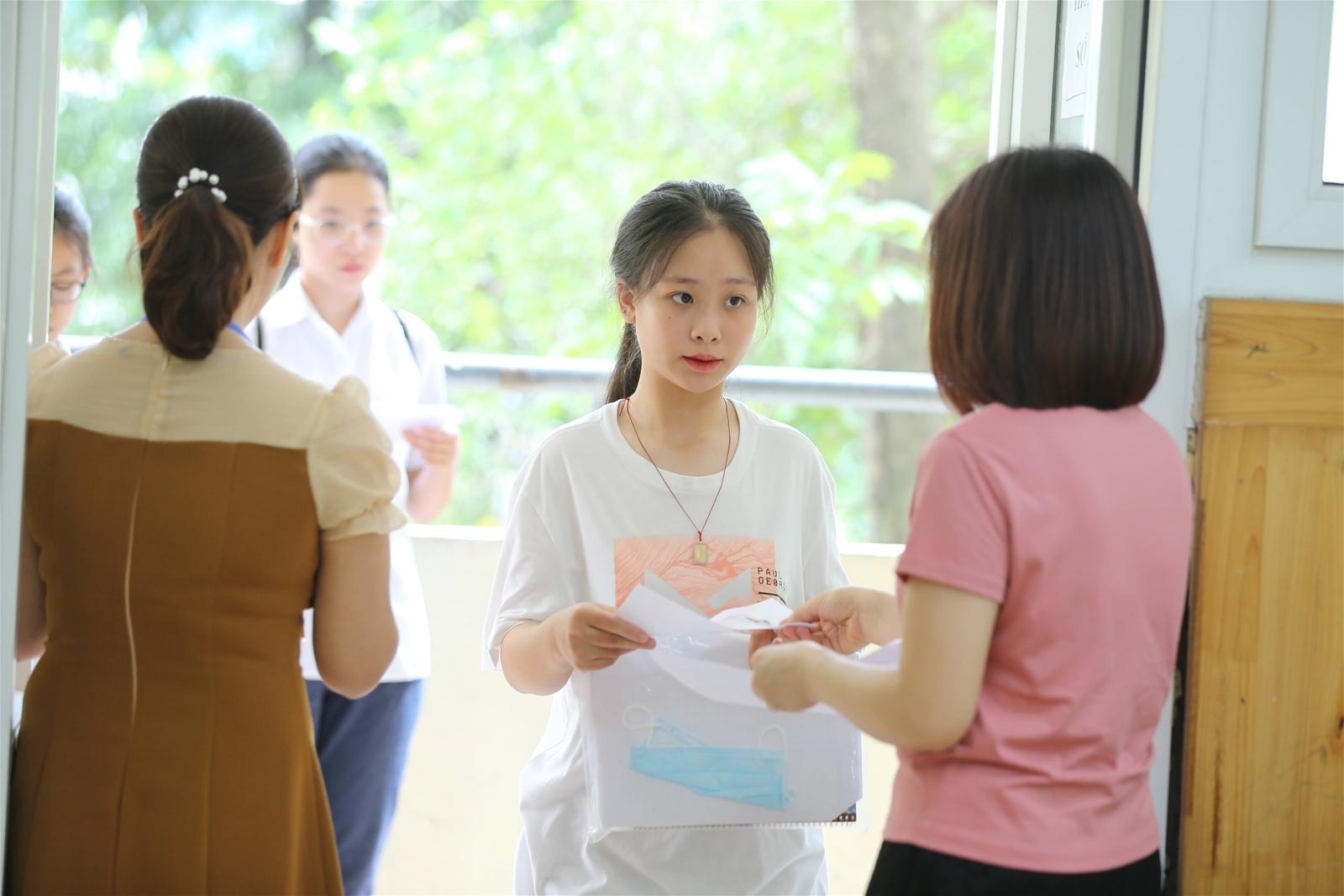 Đề thi môn Ngữ văn vào lớp 10 tại Hà Nội không có các nội dung tinh giản