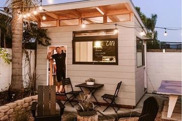 Ông bố xây dựng quán cafe trong sân vườn khiến các con kinh ngạc