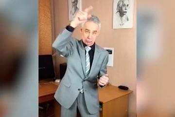 Giáo viên Nga nổi tiếng trên mạng TikTok vì những video 'siêu độc'