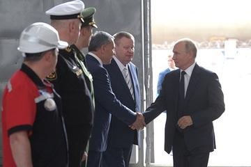 Nga đóng tàu ngầm hạt nhân mang tên lửa siêu vượt âm