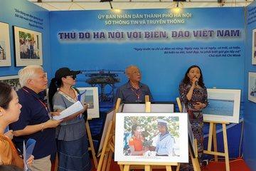 Triển lãm hơn 300 bức ảnh về bảo vệ chủ quyền biển đảo