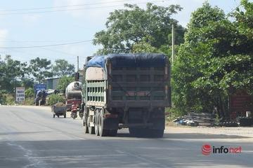 Hà Tĩnh: Xe tải đắp ngọn 'thông chốt', CSGT ngỡ ngàng