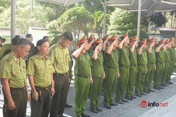 Xúc động dòng người dâng hương tưởng niệm 10 nữ anh hùng tại ngã ba Đồng Lộc