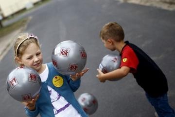 Báo Đức: Đại dịch có thể làm trầm trọng thêm tình trạng trẻ em nghèo khổ ở Đức