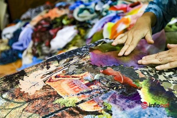 Nữ họa sĩ 'phù phép' những bức tranh vải độc đáo