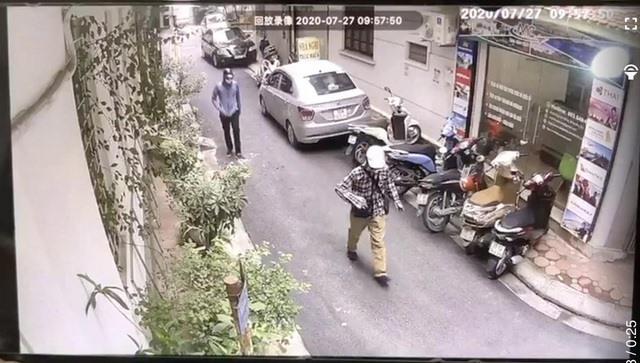 Vụ cướp ngân hàng BIDV: Công an Hà Nội công bố hình ảnh 2 tên cướp