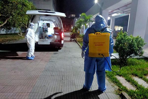 Bệnh viện TƯ Huế tiếp nhận 11 bệnh nhân Covid-19 từ Đà Nẵng