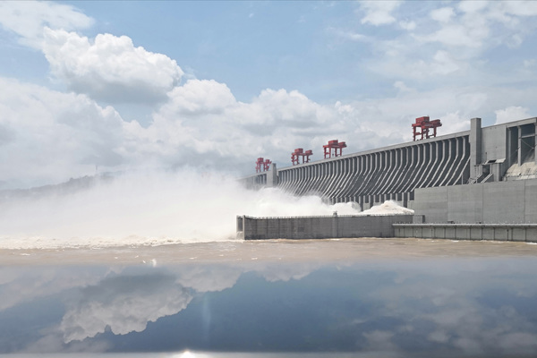 Dòng nước đổ về khủng khiếp, đập Tam Hiệp tiếp tục xả lũ