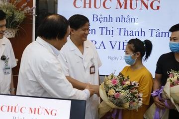 Bác sĩ BV Bạch Mai chạy đua đưa bệnh nhân trở về từ cửa tử
