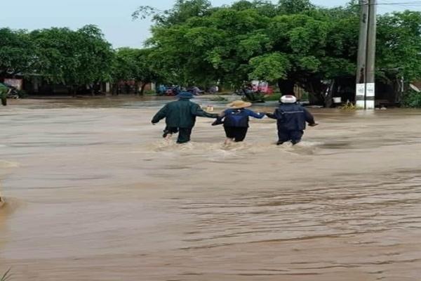 Đắk Lắk: Mưa lớn nhấn chìm huyện Ea Súp trong biển nước, thiệt hại nhiều tỉ đồng