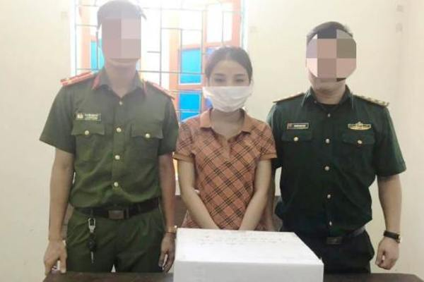 Nghệ An: Bắt hotgirl 9x 'ôm' 2kg ma túy trên đường đi tiêu thụ