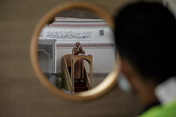 Chùm ảnh ngày lễ Eid al-Adha của người Hồi giáo giữa đại dịch Covid-19