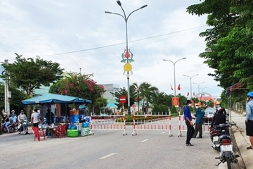 Quảng Nam tìm người đi cùng xe buýt, làm chung công ty với bệnh nhân Covid-19